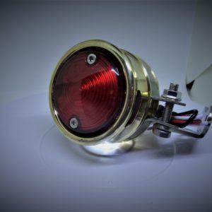 lumière-laiton-moto