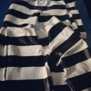 Pantalon-cuir-biker-Hold Fast-rayures-blanc-noir