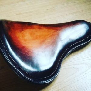 selle-cuir-HD-custom-marron