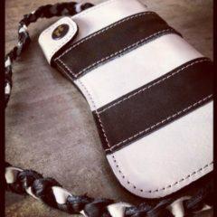 Portefeuille-holdfast-cuir-raye-noir-blanc-biker-harley-davison-haut