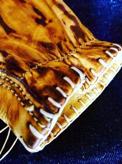 gants-cuir-pilote-motostuka-hold-fast-detail-couture