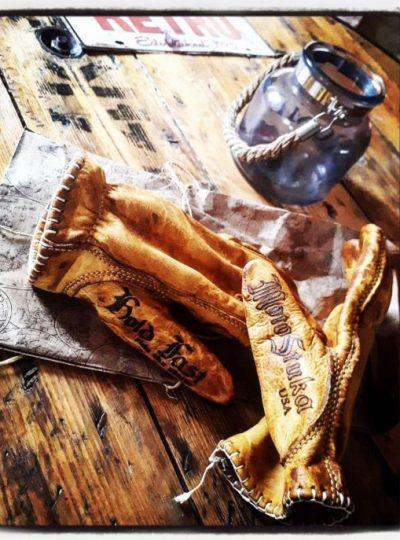 gants-cuir-biker-jaune
