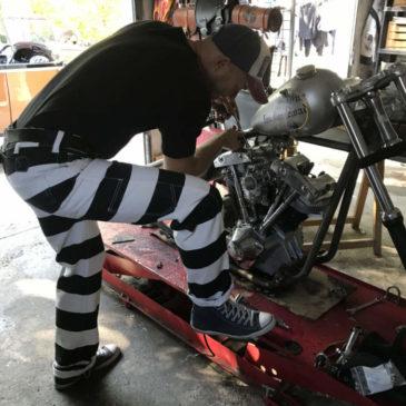 prisoner-pants-bagnard-16oz-collection-hold-fast-stripped-black-white-shovel