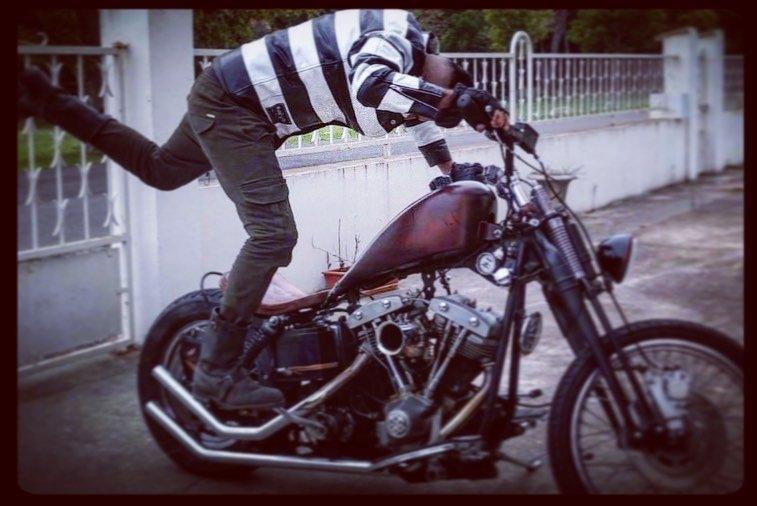 veste-biker-cuir-rayé