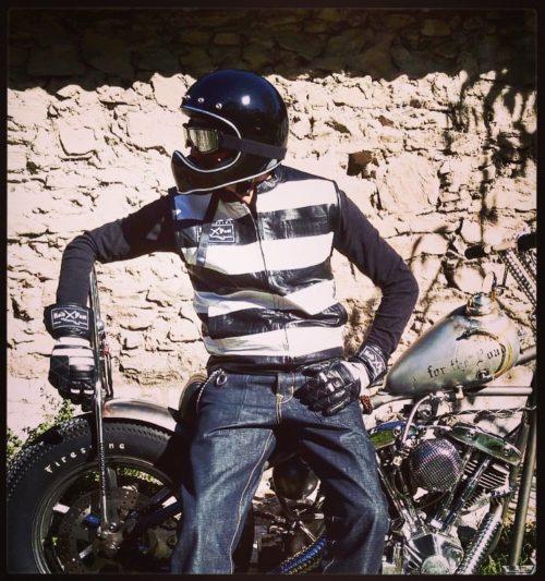 Cut-biker-hold-fast